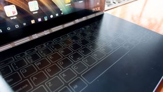 IFA 2016: Lenovo Yoga Book: how fast can you type on a touchscreen keyboard?